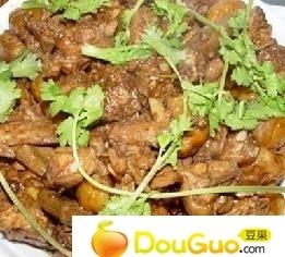 栗子黄焖鸡的做法 栗子黄焖鸡的家常做法 栗子黄焖鸡的做...