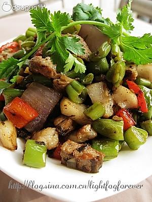 橄榄菜四季豆炒肉丁的制作步骤