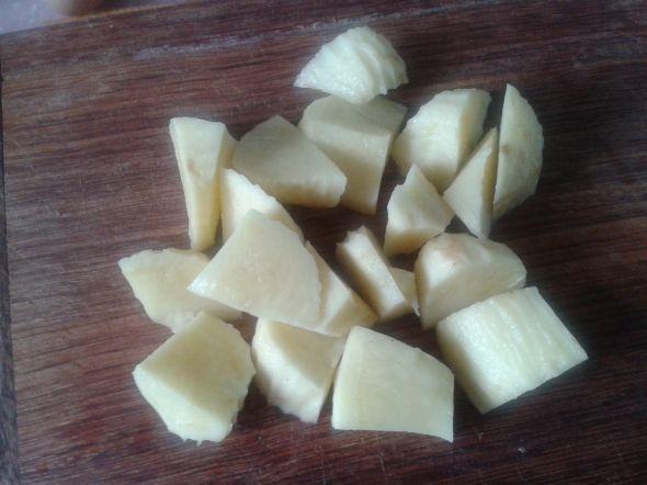 香焗奶油土豆泥,土豆切块煮熟
