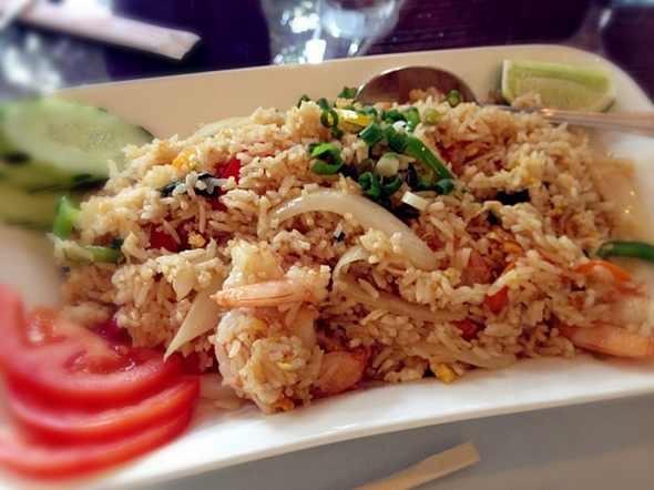 查看详细做法 米饭里混合着九层塔的香气,很可口 分享 新浪微博qq