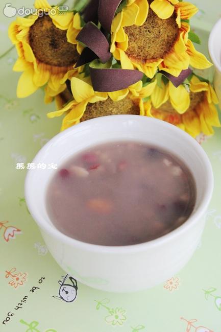 养颜红豆粥的制作步骤 1 红豆洗净 2 大麦仁洗净 3 花生洗净 4 薏仁