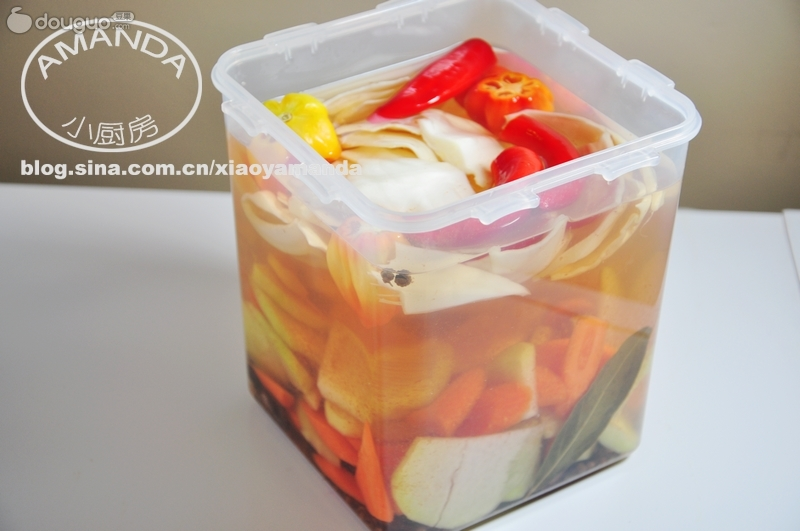 保鲜盒做泡菜的做法图解2