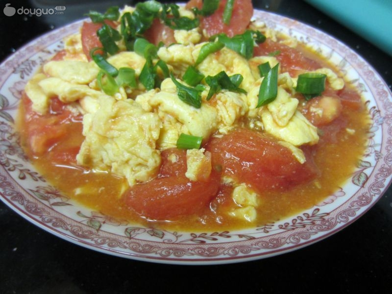 西红柿炒鸡蛋简笔画