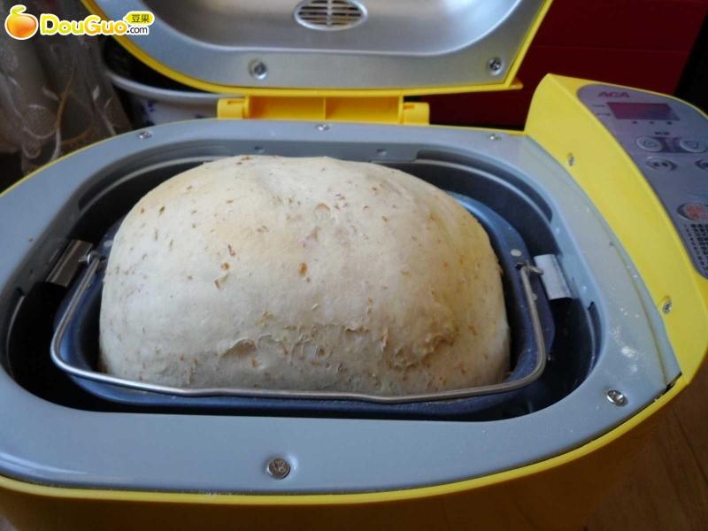 面包机版快速制作全麦面包的做法图解2
